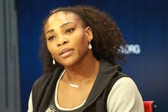 Είκοσι δύο φορές πρωτοπόρος του Grand Slam Serena Ουίλιαμς των Ηνωμένων Πολιτειών κατά τη διάρκεια της συνέντευξης τύπου κατά τη  Στοκ φωτογραφία με δικαίωμα ελεύθερης χρήσης