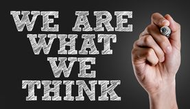 Είμαστε αυτό που σκεφτόμαστε σε μια εννοιολογική εικόνα στοκ εικόνα με δικαίωμα ελεύθερης χρήσης