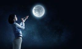 Είναι εκεί ζωή στο φεγγάρι στοκ φωτογραφίες