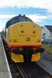 37674 είναι μια κατηγορία 37 ατμομηχανή στο φραγμό Leeming, σιδηρόδρομος Wensleydale, στοκ φωτογραφία