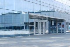 είσοδος γυαλιού οικοδόμησης Στοκ Εικόνες