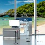 Είσοδος πυλών επιβίβασης με τη χλεύη επάνω στη TV LCD για τη διαφήμισή σας Στοκ εικόνες με δικαίωμα ελεύθερης χρήσης