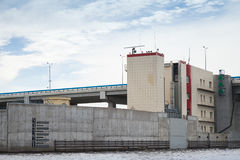 Είσοδος στον κόλπο Neva Κλειδώστε το αριθ. 2 του φράγματος Στοκ φωτογραφία με δικαίωμα ελεύθερης χρήσης