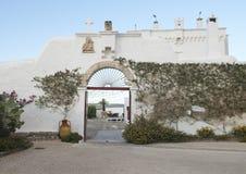 Είσοδος στο κύριο προαύλιο του Masseria Torre Coccaro Στοκ Εικόνα