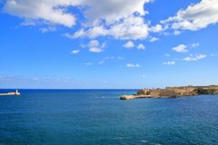 Είσοδος στο λιμάνι του νησιού της Μάλτας στοκ εικόνα με δικαίωμα ελεύθερης χρήσης