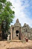 Είσοδος στο ναό Bayon στην πόλη Angkor Thom Στοκ Εικόνες