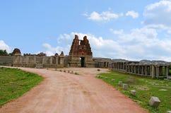 Είσοδος Gopuram, ναός Vittala σύνθετος, Hampi, Karnataka, Ινδία Χτισμένος στο 15ο αιώνα Στοκ φωτογραφία με δικαίωμα ελεύθερης χρήσης