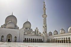 Είσοδος Sheikh του μουσουλμανικού τεμένους Zayed Στοκ φωτογραφία με δικαίωμα ελεύθερης χρήσης