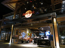 Είσοδος καφέδων σκληρής ροκ τη νύχτα Στοκ φωτογραφία με δικαίωμα ελεύθερης χρήσης
