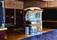 Είσοδος κινηματογραφικών αιθουσών του Art Deco Στοκ εικόνα με δικαίωμα ελεύθερης χρήσης
