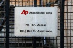Είσοδος πορτών του Associated Press με το λογότυπο AP και μήνυμα στο δαχτυλίδι Στοκ Εικόνες