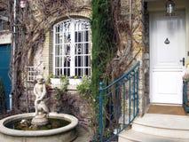 Είσοδος σπιτιών πολυτέλειας στοκ φωτογραφία με δικαίωμα ελεύθερης χρήσης