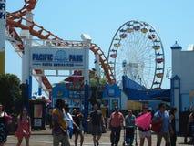 Είσοδος στο ειρηνικό Santa Monica Pier πάρκων Στοκ Φωτογραφίες