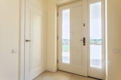 Είσοδος στο πολυτελές σπίτι Στοκ φωτογραφία με δικαίωμα ελεύθερης χρήσης