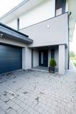 Είσοδος στο σύγχρονο σπίτι Στοκ Εικόνες