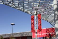 Είσοδος της εμπορικής έκθεσης του Μιλάνου κατά τη διάρκεια Salone del Mobile Στοκ Εικόνες