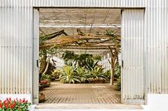 Είσοδος του κήπου θερμοκηπίων Στοκ Εικόνα