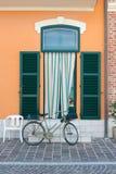 Είσοδος του σπιτιού ενός ψαρά στο Πόρτο Recanati, Ιταλία στοκ εικόνες