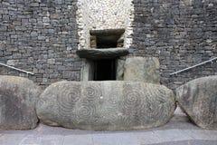 Είσοδος Newgrange - κομητεία Meath, Ιρλανδία Στοκ εικόνες με δικαίωμα ελεύθερης χρήσης