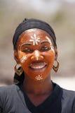Εγγενή Malagasy εθνικά κορίτσια Sakalava, ομορφιές με το διακοσμημένο πρόσωπο Στοκ εικόνα με δικαίωμα ελεύθερης χρήσης