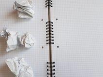 Εγγράφου σημειωματάριων φύλλων κενή τακτοποιημένη κενό σελίδα γραφείων γραμμών σπειροειδής Στοκ εικόνα με δικαίωμα ελεύθερης χρήσης