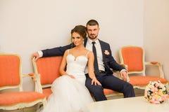 Εγγραφή του γάμου στο γαμήλιο παλάτι στοκ εικόνες