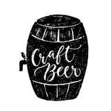 Εγγραφή χεριών βουρτσών μπύρας και Oktoberfest Στοκ φωτογραφία με δικαίωμα ελεύθερης χρήσης