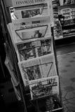 ΕΓΓΡΑΦΑ ΕΙΔΗΣΕΩΝ ΓΙΑ SLE ΣΤΗ ΣΤΆΣΗ ΕΙΔΉΣΕΩΝ Στοκ εικόνες με δικαίωμα ελεύθερης χρήσης