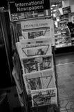 ΕΓΓΡΑΦΑ ΕΙΔΗΣΕΩΝ ΓΙΑ SLE ΣΤΗ ΣΤΆΣΗ ΕΙΔΉΣΕΩΝ Στοκ εικόνα με δικαίωμα ελεύθερης χρήσης