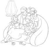 Εγγόνια που ακούνε η γιαγιά τους που διαβάζει τα παραμύθια βιβλίων Στοκ Φωτογραφίες