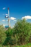 Εγκατάσταση γεώτρησης για τη διάτρυση των φρεατίων πετρελαίου και φυσικού αερίου Στοκ Φωτογραφίες