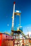 Εγκατάσταση γεώτρησης για τη διάτρυση των φρεατίων πετρελαίου και φυσικού αερίου Στοκ Εικόνες