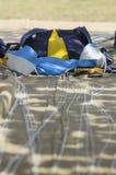 Εγκατάσταση γεώτρησης ελεύθερων πτώσεων με αλεξίπτωτο στη σοφίτα συσκευασίας Στοκ Εικόνα