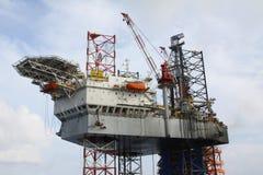 Εγκατάσταση γεώτρησης διατρήσεων στη θάλασσα Στοκ Εικόνες