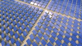 Εγκατάσταση μεγάλων αριθμών ηλιακών πλαισίων ελεύθερη απεικόνιση δικαιώματος