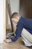 εγκατάσταση πορτών Στοκ εικόνες με δικαίωμα ελεύθερης χρήσης