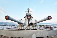 Εγκατάσταση πυργίσκων τρεις-πυροβόλων όπλων της κύριας πυρκαγιάς MK-5 BRI 152 χιλ. Στοκ Φωτογραφίες