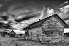 Εγκαταλειμμένα αγροτικά τέταρτα διαβίωσης στοκ φωτογραφία
