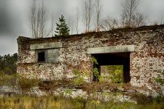 Εγκαταλειμμένα αποθήκη εμπορευμάτων και βιομηχανικά κτήρια και κτήρια Στοκ Φωτογραφία