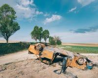 Εγκαταλειμμένα συντρίμμια αυτοκινήτων υπαίθρια Στοκ Εικόνες
