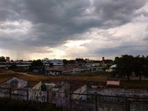 Εγκαταλειμμένα Necochea κτήρια στο ηλιοβασίλεμα στοκ εικόνες