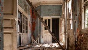 Εγκαταλειμμένη βίλα - Ελλάδα στοκ εικόνα
