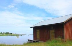 Εγκαταλειμμένη σιταποθήκη κοντά στη θάλασσα Στοκ εικόνα με δικαίωμα ελεύθερης χρήσης
