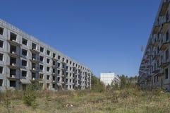 Εγκαταλειμμένος φραγμός των επιπέδων, πρώην ρωσικά σπίτια στρατιωτών στην πόλη Ralsko, Δημοκρατία της Τσεχίας μεταλλείας ουράνιου στοκ φωτογραφία με δικαίωμα ελεύθερης χρήσης