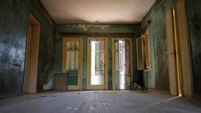Εγκαταλειμμένο εσωτερικό βιλών στοκ εικόνα με δικαίωμα ελεύθερης χρήσης