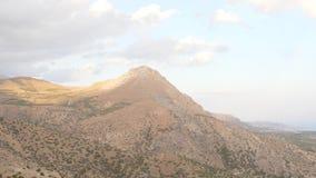Εγκαταλειμμένο η Κρήτη πανόραμα βουνών, Ελλάδα φιλμ μικρού μήκους