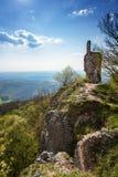 Εγκαταλειμμένο μεσαιωνικό κάστρο Pajstun κοντά στη Μπρατισλάβα ΣΛΟΒΑΚΙΑ στοκ εικόνες