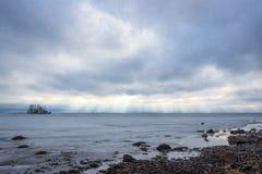 Εγκαταλειμμένο σκάφος στον πάγο Στοκ Εικόνες