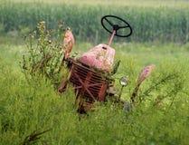 εγκαταλειμμένο τρακτέρ στοκ φωτογραφία με δικαίωμα ελεύθερης χρήσης