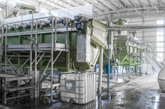 Εγκαταστάσεις για την ανακύκλωση των μπουκαλιών Στοκ Φωτογραφίες
